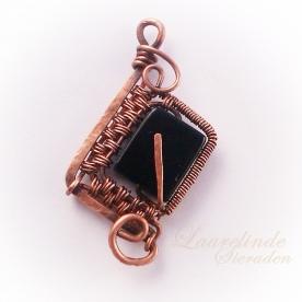 runehanger Isa, koperen weefwerk met obsidiaan