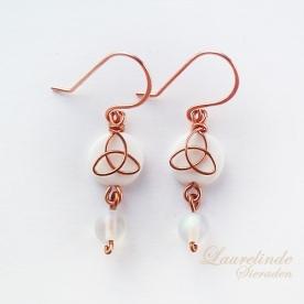 Sinann celtic earrings, white and copper