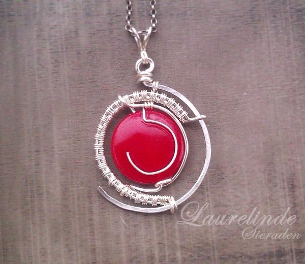 hanger van concentrische cirkels van zilver