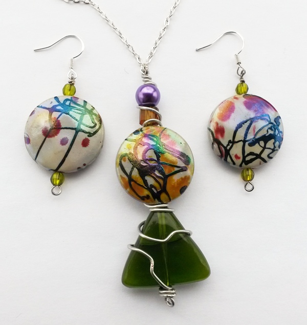 colourful jewelry set made by Rikki