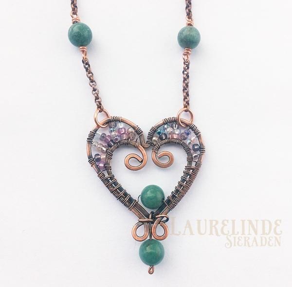 wire hart hanger van koper en groene jade