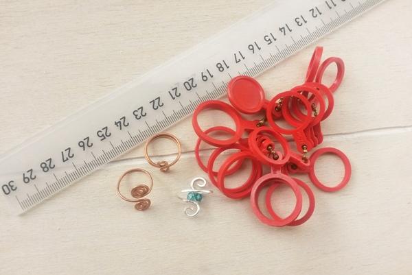 verschillende tools om je ringmaat te meten